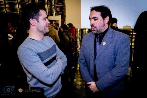 Isra Calzado López charla con Aitor Merino